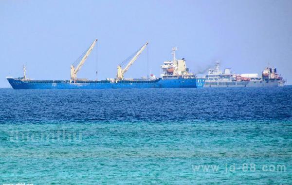 外媒称中国在南海岛屿大兴土木 三个暗礁同时施工